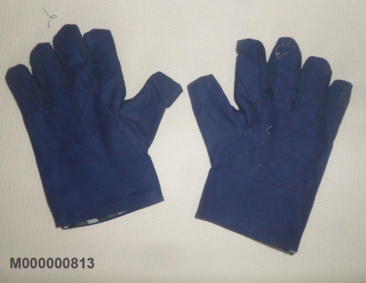 Găng tay vải bạt màu trắng