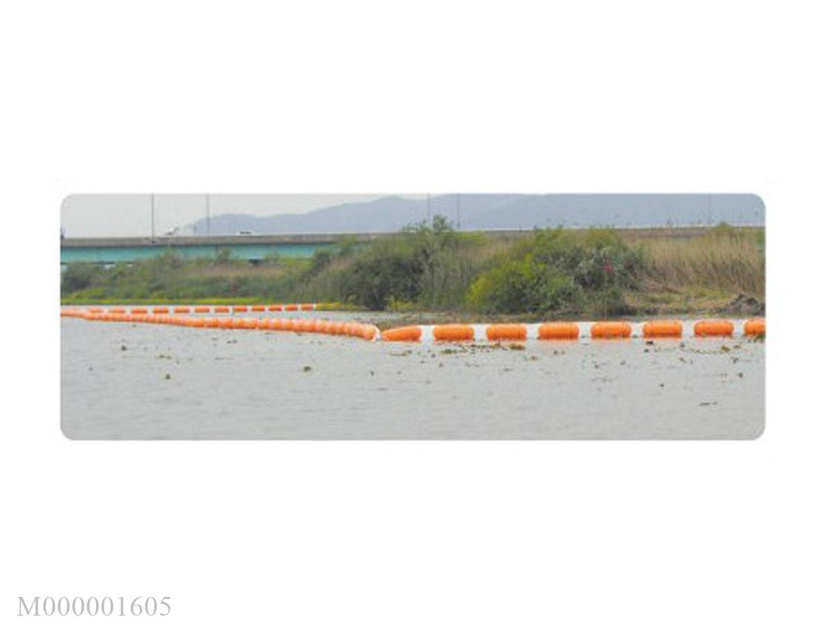 Chống tràn dầu trên sông